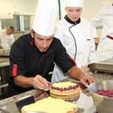 Cuisiniers, serveurs : des entreprises recrutent !